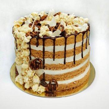 עוגת שכבות מעוצבת